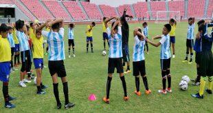 ศอ.บต.ส่งนักกีฬายุวชน ทีมชาติไทย รุ่นที่ 2 สู่ค่ายเก็บตัวฝึกซ้อม ตัวแทนยุวชน ทีมชาติไทย เพื่อเตรียมความพร้อมก่อนการแข่งขันฟุตบอลยุวชนโลก GOTHIA CUP 2018 ณ ประเทศสวีเดน