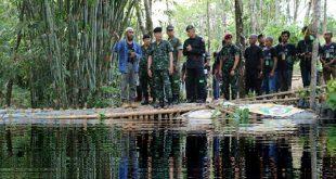 """กรมทหารพรานนาวิกโยธิน มอบใบชูเกียรติคุณ ชาวบ้านต้นตาล ต้นแบบ """"ชุมชนป่ารักน้ำ"""" สืบสาน ตามรอยศาสตร์พระราชา"""