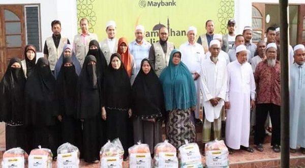 Islamic Relief Malaysia ซึ่งเป็นองค์การสงเคราะห์ด้านมนุษยธรรมระหว่างประเทศ และสถาบันอัสสลาม ม.ฟอฎอนี มอบอาหารแด่ผู้ขัดสน ใช้ในเดือนรอมฎอน