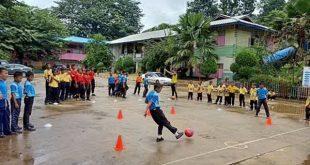 ชมรมฟุตบอล ต.อัยเยอร์เวง อ.เบตง ส่งเสริมสุขภาพเยาวชนต้านภัยยาเสพติด โดยใช้ทักษะฟุตซอลให้กับนักเรียนโรงเรียนบ้านใหม่วันครู